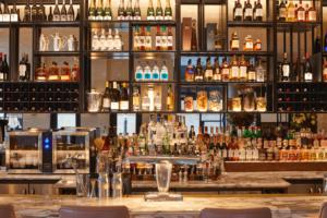 Sam's Riverside-fully stocked bar