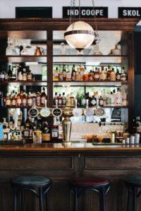 Kensington Park Hotel bar view