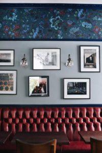 Kensington Park Hotel banquette/wall view